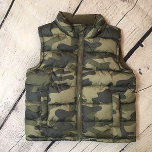 Crazy 8, Camo puffer vest toddler 18-24m